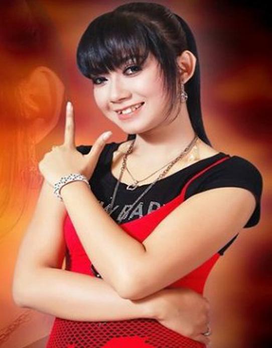Foto Ratna Antika Artis Dangdut Indonesia | Foto Artis Indonesia