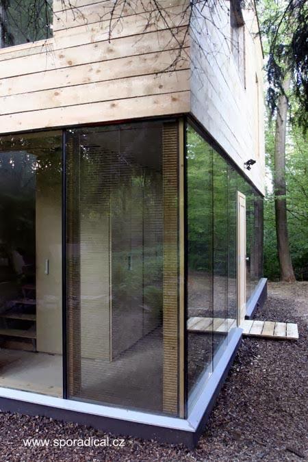 Moderna casa de madera estilo Contemporáneo en Europa