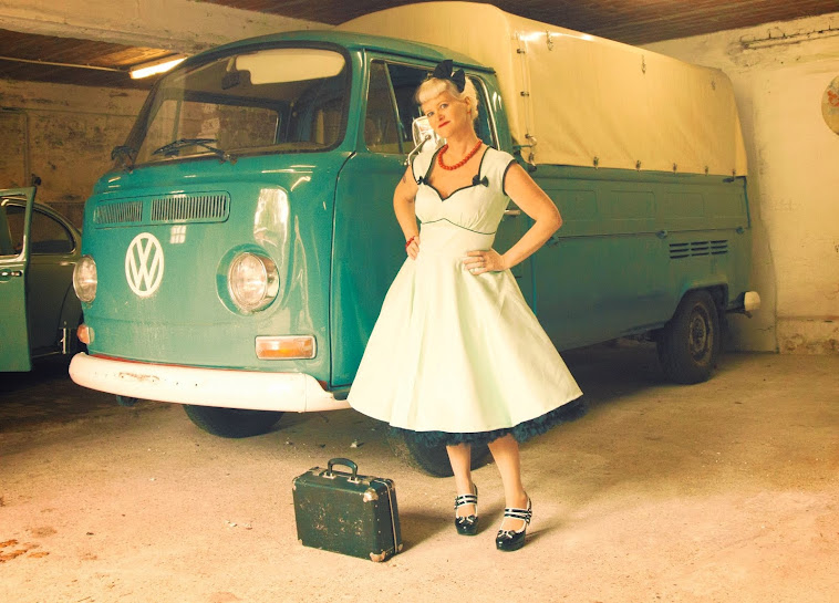Swingin' mintgreen pin-up dress