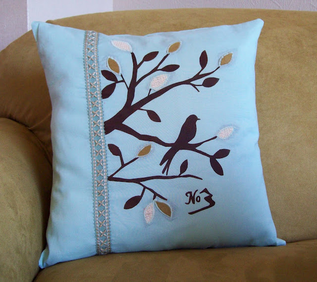 Birds At Play In This Pillow Cover Tutorial
