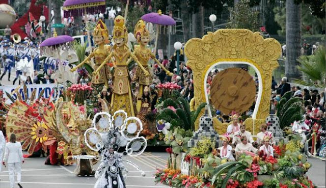Konvoi Indonesia dalam parade mawar di Pasadena, AS ( REUTERS/Jonathan Alcorn )