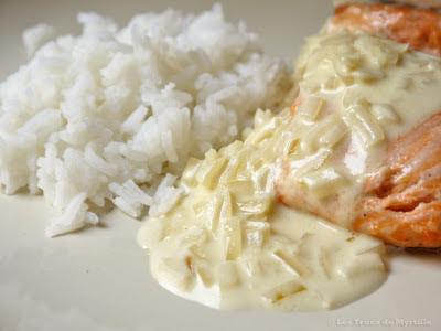 Pavés de saumon à la sauce citronnée (voir la recette)