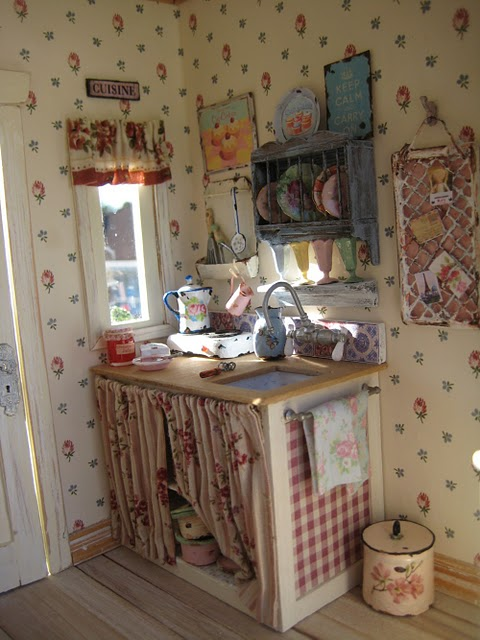 Shabby chic dollhouse miniatures i heart shabby chic - Tendine sottolavello cucina ...