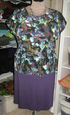 Stitches and seams simplicity 2474 in purple mosaic