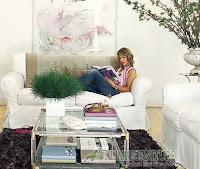 Membuat dominasi warna putih di ruangan