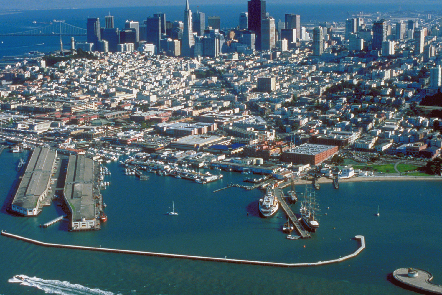Tourist places around the world best tourist attractions for Fishing store san francisco