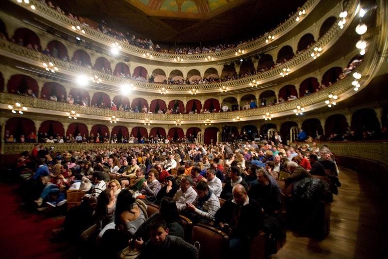 Sesión de Semifinales del Concurso Oficial de Agrupaciones Carnavalescas (COAC) de Cádiz 2014. Foto de Tio Pepe