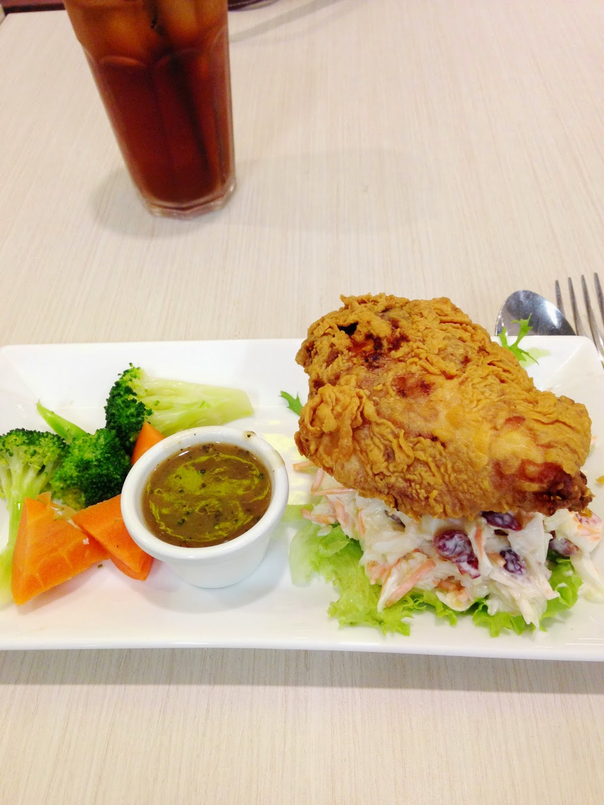 Fried chicken with salad at the manhattan fish market a for Manhattan fish and chicken menu