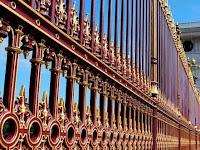 5 Cara Mengecat Pagar Besi Rumah yang Berkarat
