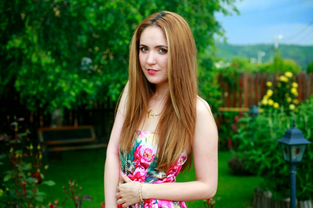floral dress romwe red straight hair blonde highlights hairstyle