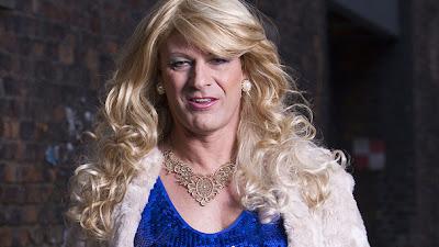 Sean Bean interpreta a un transexual en una serie británica