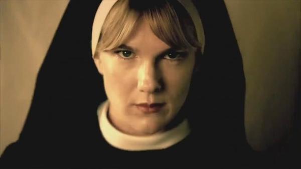Lily Rabe como Mary Eunice em Asylum