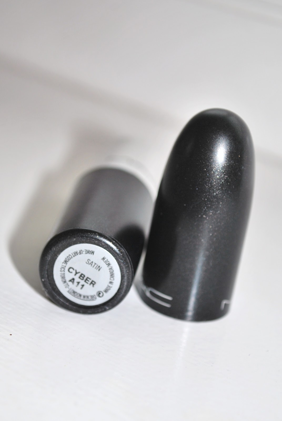MAC Cyber lipstick review