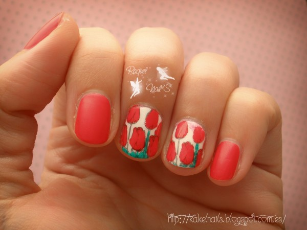 Tulipanes nail art