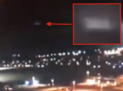 Cigar UFO Causes Lightning Storm Over St. Louis, UFO Sightings