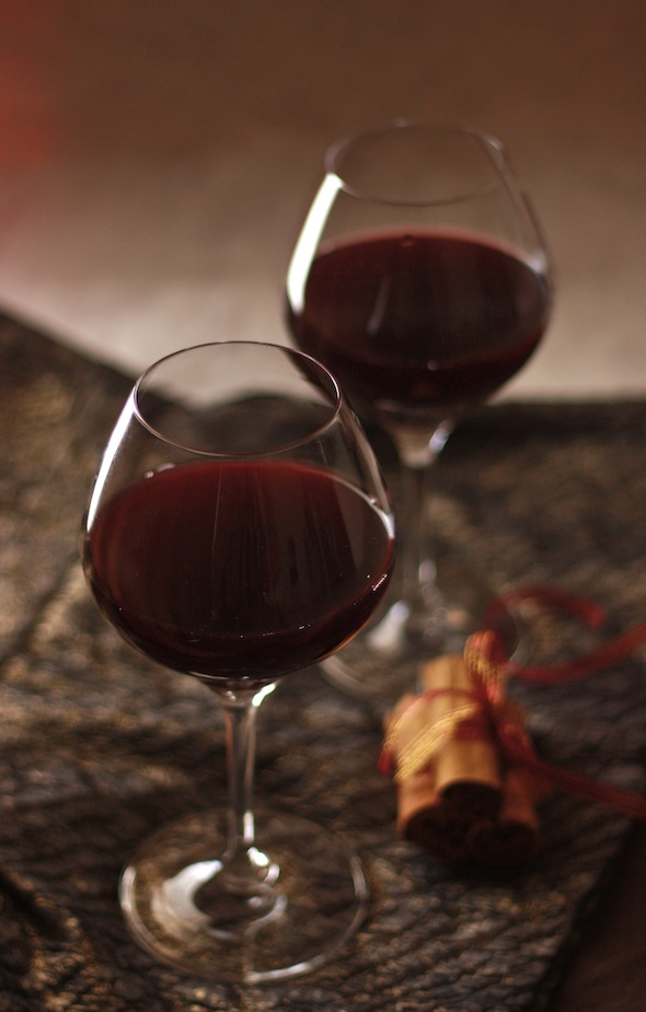Christmas Mulled Wine by SeasonWithSpice.com