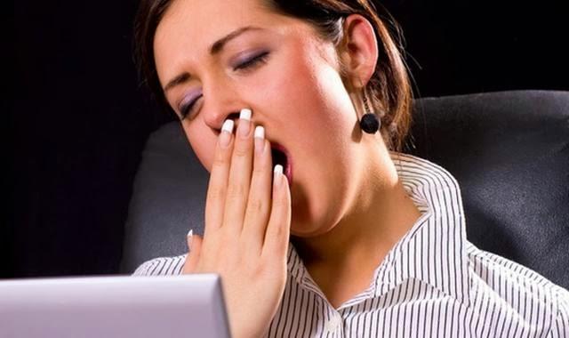 wanita mengantuk