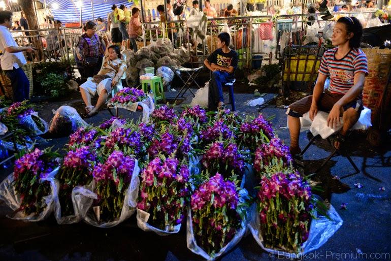 Pak Khlong Talat Night Flower Market Bangkok