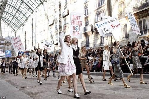 desfile protesta chanel