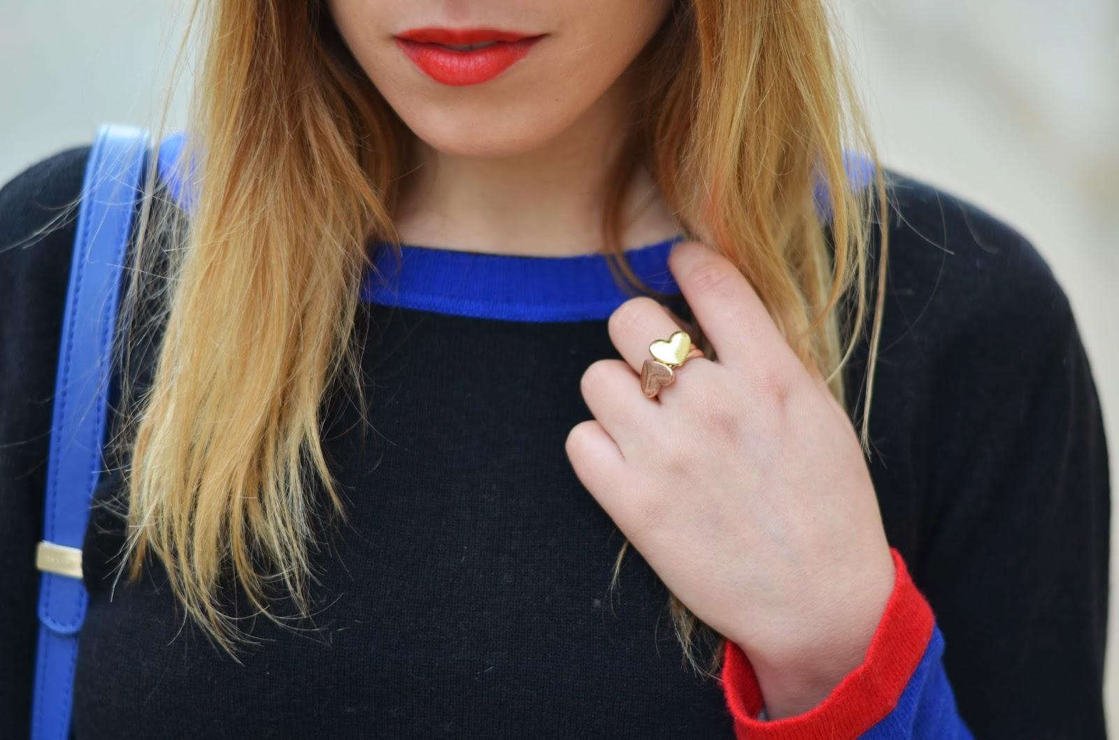 Pull noir rouge bleu