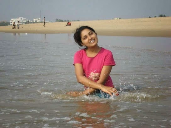 Desi Girls Bathing In River HD Photos - Beautiful Desi ...