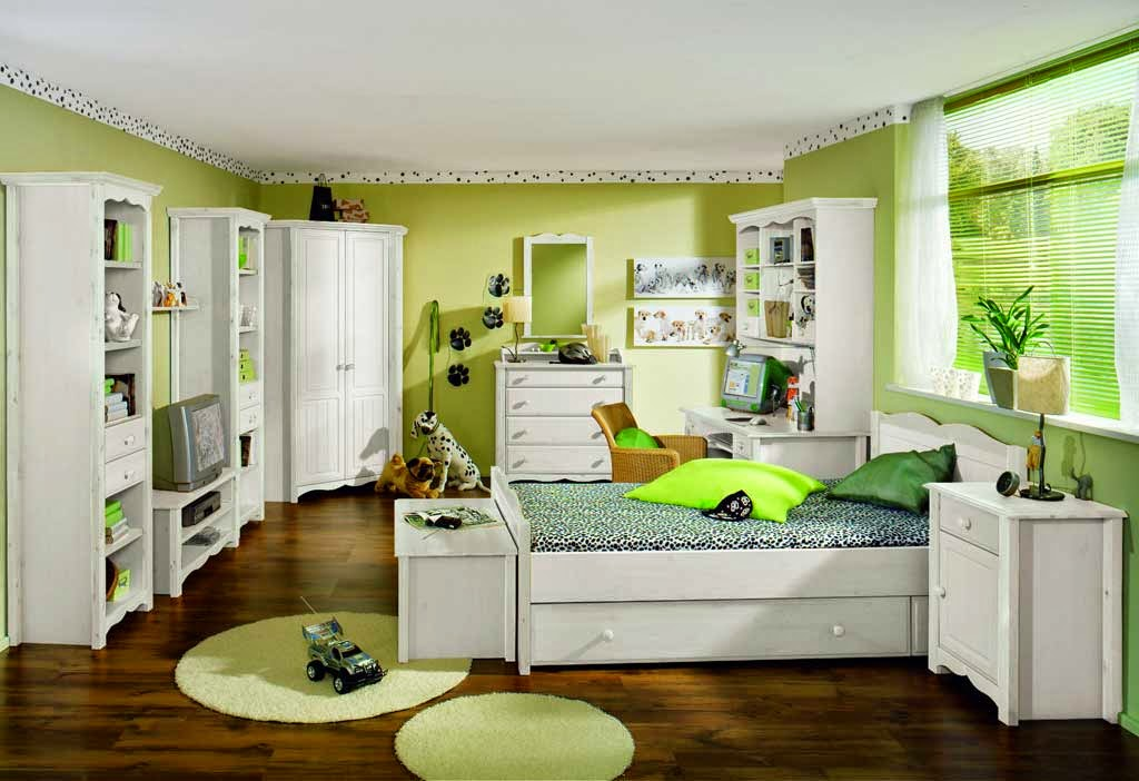decorating a bedroom paint color green with white