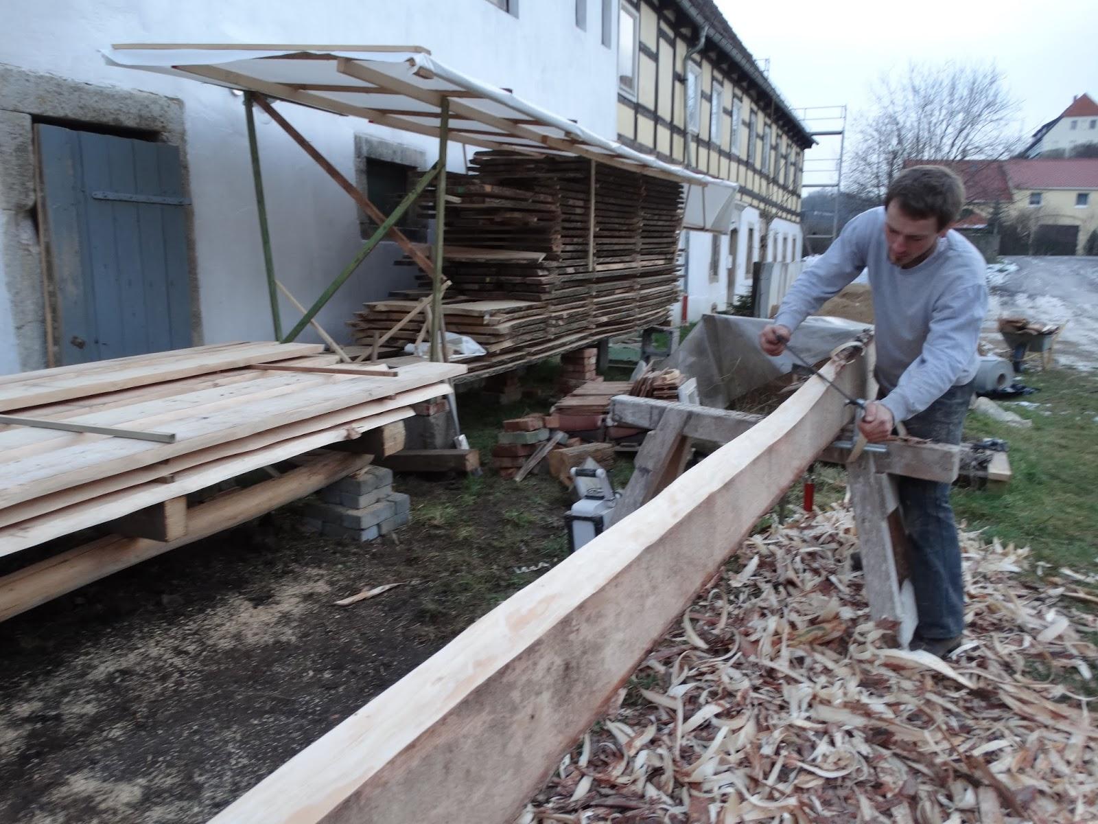 mit herz & hammer: generationenprojekt schlossdielenfußboden