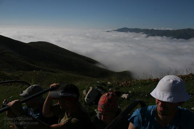 Облака в горах, как бескрайнее море