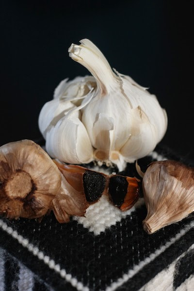 A black clove of garlic has all of the health benefits from the sulfur allicin compound like a white clove of garlic but is sweet without the strong odor and garlic breath and has even more antioxidants per garlic clove.