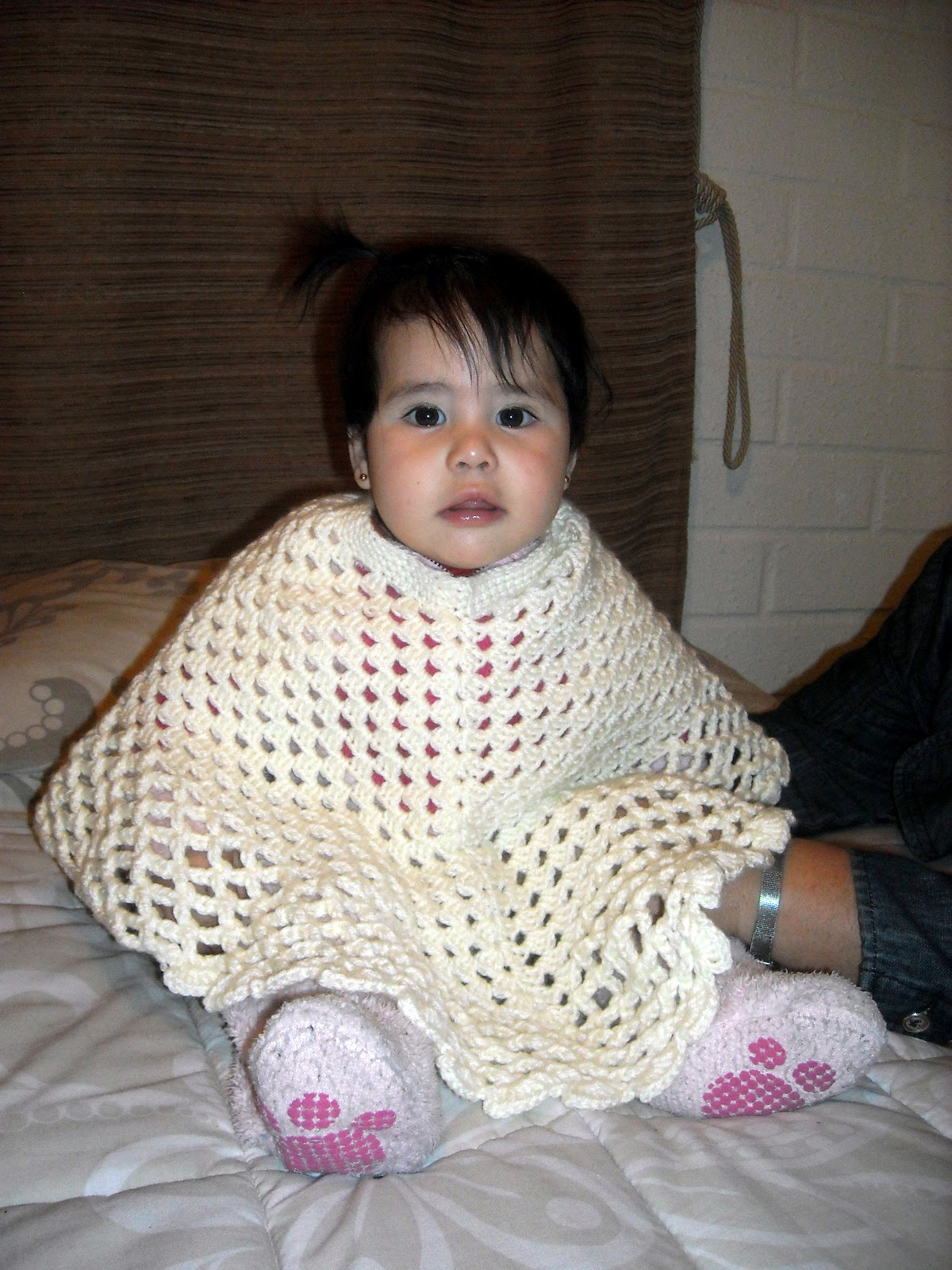 Poncho Bebe Tejido A Crochet