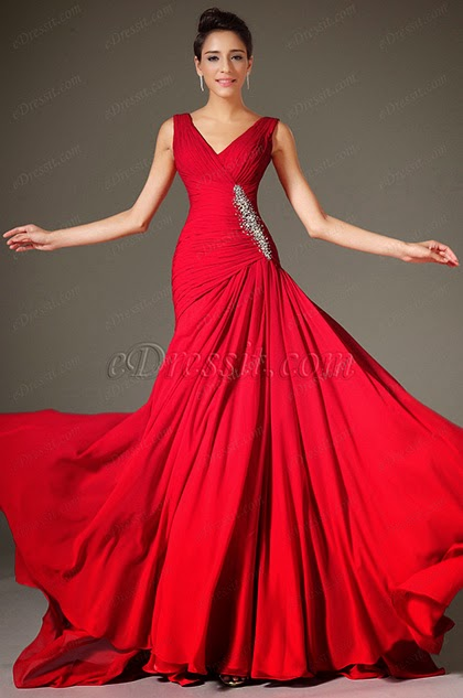 Струящиеся платья с драпировкой