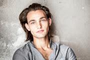 Teenag(ER) Henning Gronkowski. http://www.henninggronkowski.de/home