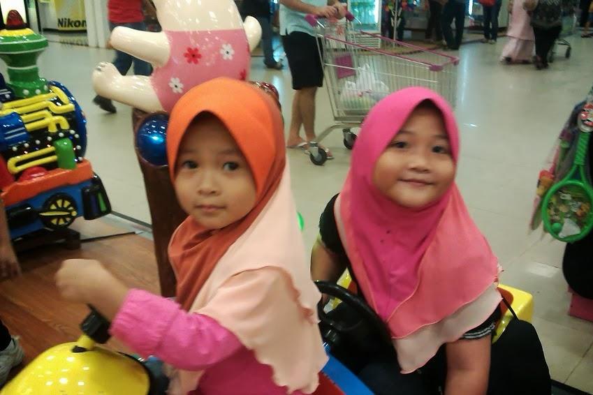 Cicik sayang kamu berdua :)