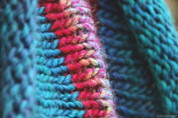 aliciasivert, alicia sivertsson, stickat, stickning, stickad tubhalsduk, halsduk, krage, ull, knitting, scarf, knit, knitted, turkos, turquoise