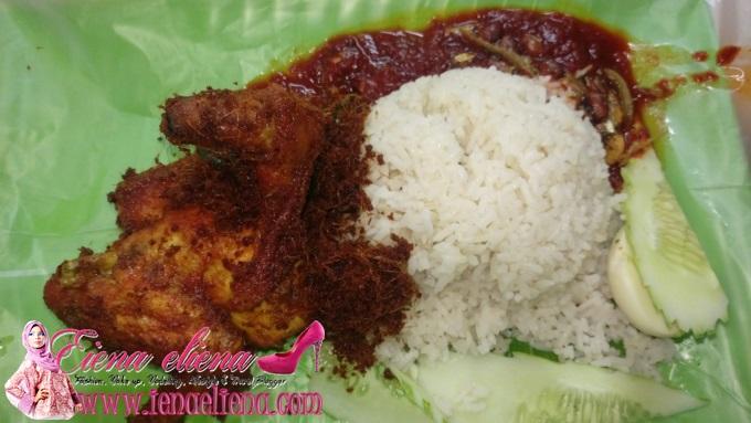 Nasi Lemak Ayam Berempah Sedap di Taman Tenaga Cheras