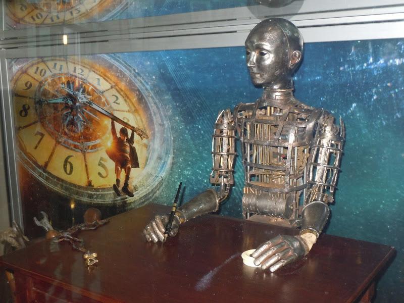 Automaton mechanical man Hugo prop