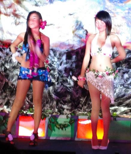 Exotic Asian girls show (1)