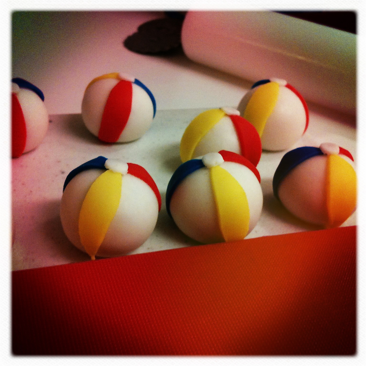 Discussion on this topic: How to Make Beach Ball Cake Pops, how-to-make-beach-ball-cake-pops/