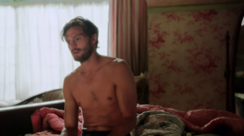Jamie Dornan Shirtless in Once Upon a Time s1e04
