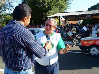 Pr. Cristino consedendo Entrevista