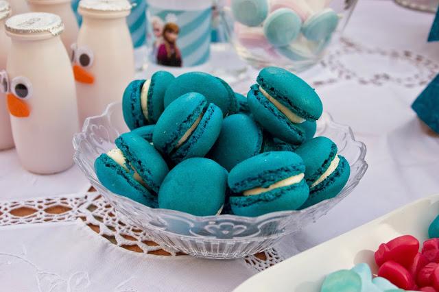 Diariodeco14: Candy bar Frozen por el cumple de la princesa - macarones azules