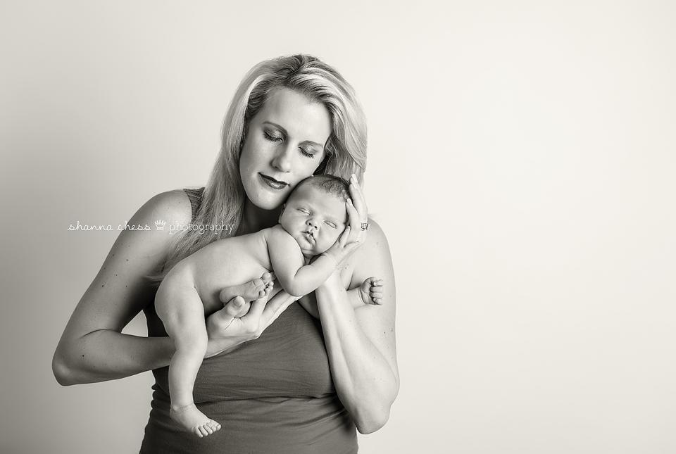 eugene springfield oregon newborn photography mama and baby