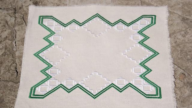 вышивка, салфетка, хандангер, ландыши вышитые, салфетка с ландышами, вышивка, совместная вышивка, вышивка зелено-белая, цветы, вышивка цветы, ландыши хандангер