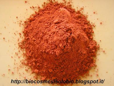 argilla rossa, proprietà cosmetiche dell'argilla rossa, illite