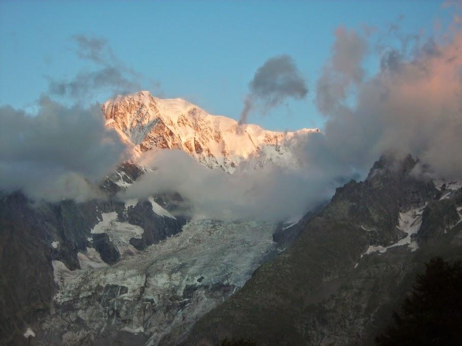 Vistas-del-Mont-Blanc-desde-el-refugio-Bertone-en-Italia