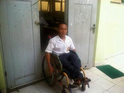 Edi Priyanto, siswa teladan dengan segala keterbatasan. malukah anda?