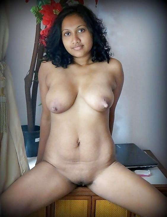 Busty Indian College Girl Shwetha Nude Pics Exposed By Her Lover indianudesi.com