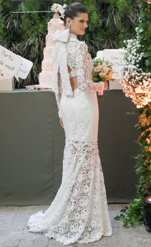 vestido de noiva reto com rendas artesanais laço e transparência Martha Medeiros