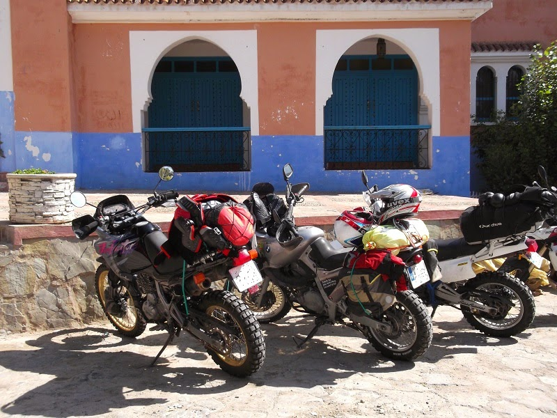 Tres motos por Marruecos