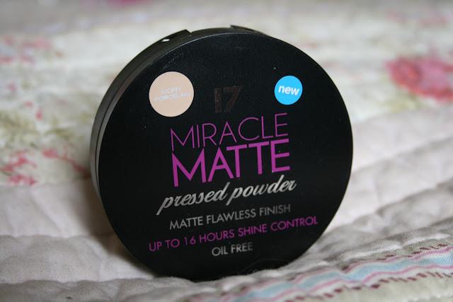 17 Miracle Matte pressed powder